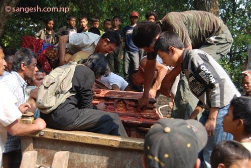 Preparing the chariot at Bajrayogini temple
